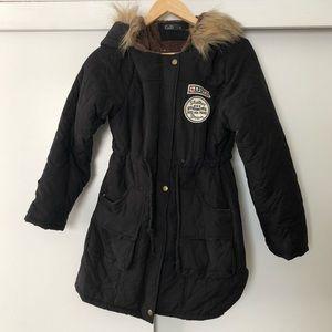 NWOT Winter coat with faux fur hood - Black ❄️